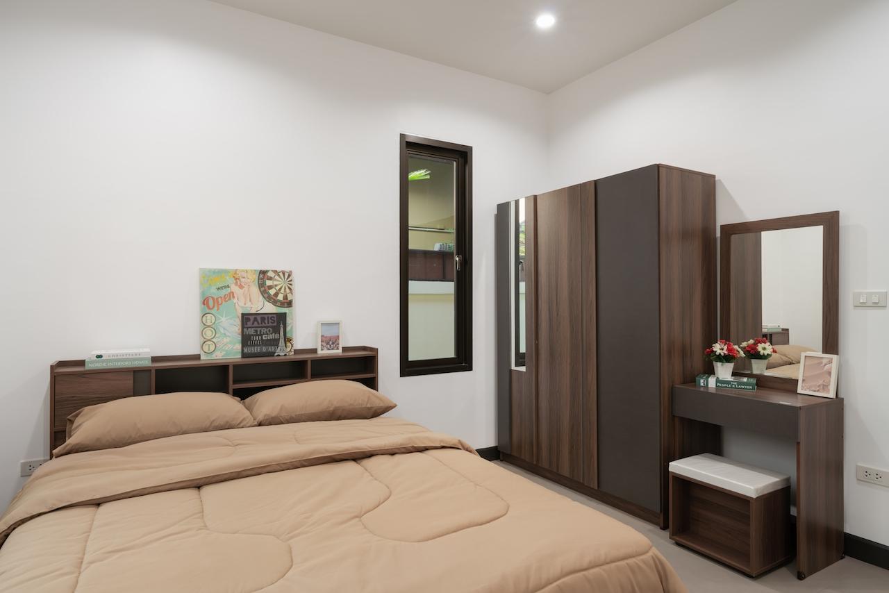 Grand Garden Home Hill House in Bang Saray